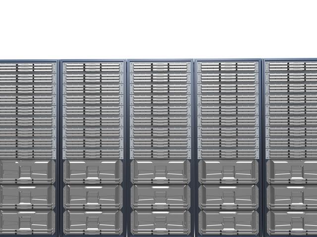 クラウドサーバーと物理サーバーの違い
